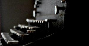 Typewriter Scottshak site wallpaper